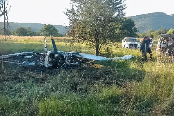 <p>Pilot survived crash</p>