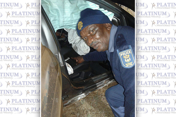 <p>Police catch Hijackers -&nbsp;WITH VICTIMS STILL IN CAR</p>