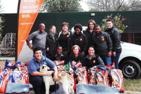 Back from left: Abisai Malekutu, Natassha Huysamen, Marlise Havenga, Elizabeth Motjela, Ronell Kruger, Pontso Nkgotle, and Angelique Groenewald, all from BUCO Rustenburg. Front from left: Carla van den Bergh from the Rustenburg SPCA, with Lucky Comphor, Melody Du Preez, and Antonette Pieterse, all from BUCO.